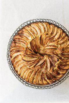 Torta di mele [delicioustories.com}  Apple Cake