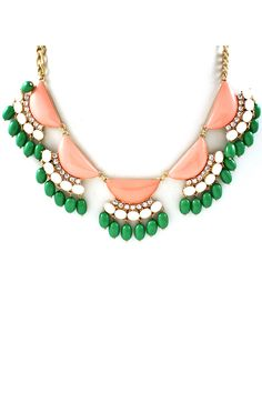 gorgeous necklace. great color combinations