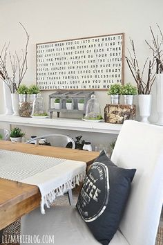 Lovely dining room decor - Great pin!