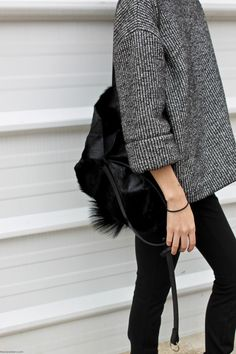minimal jacket, aritziacleansl, monochrome fashion, fashion styles, black chic, oversized sweaters, thick knit, jumper, style fashion