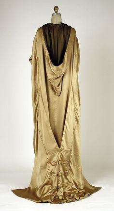 Evening wrap, Chéruit, 1918-9. Metropolitan Museum of Art.
