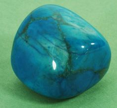 howlite~Focusing on a piece of howlite can assist in journeying outside the body and gaining insight from past lives.Place a howlite stone in your pocket to absorb your own anger - or another's anger that is directed toward you. It helps to overcome critical or selfish behaviour.