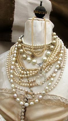 fashion, pearl necklac, jewelry necklaces, fleas, pearls, flea markets, jewelri, vintage living, vintage style