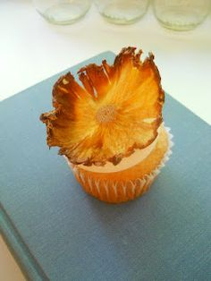 The Crazy Life of a Pantry Cook: Sugar Free Pineapple-Mango Cupcakes