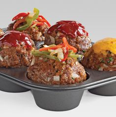 Meatloaf is a family favorite dinner staple, right? But its downfall is that it sometimes can take an hour or more to bake. Not Caramelized Peppers Muffin Pan Meatloaf. Since they're individually portioned, they bake in only 30 minutes!