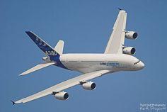 Airbus A-380 passenger plane