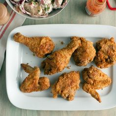 Oscar Party Food: Southern Fried Chicken (The Help) food network, chicken recipes, egg cups, southern fri, fri chicken, fried chicken, dinner tonight, paula deen, hot sauces
