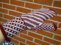 Ravelry: Spiral Mittens pattern by Jennifer Thompson