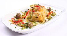 'Lombo de bacalhau com cebolada e azeite de ervas' - fillet of cod with onion and olive oil.