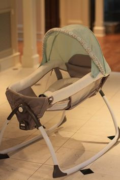 Expectant mom must-have- the new Graco Little Lounger 2-in-1 rocker and vibrating seat. $79.99! #graco15forme