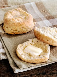 Old-Fashioned Biscuits from Paula Deen