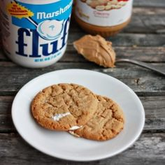 fluffernutter cookies--chewy peanut butter cookie with a gooey marshmallow and peanut butter center