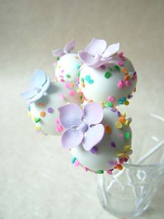 Pretty Pastel Flower Toppers on Cake Pops