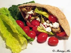 This Greek Pita Sandwich is TO DIE FOR!! #recipes #healthy