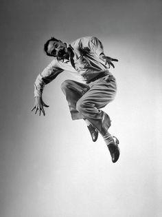 Gene Kelly performing