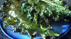Crisp Kale Chips from WellnessMama.com #kidapproved #recipes #wellnessmama