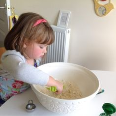 5 year old Ella describes how to make pizza. Made with Shadow Puppet.  Download free on the App Store.