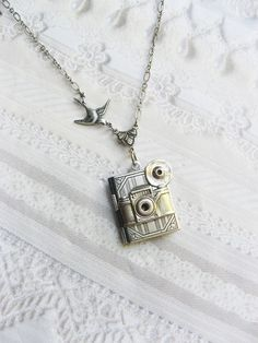 photo locket!! LURVE!! $24 on Etsy!!