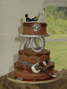western-brown-and-silver-wedding-cake ~ http://womenboard.net/western-wedding-cakes/