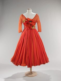 A vibrant, beautiful Scaasi Cocktail Dress, ca.1958. #vintage #fashion #1950s #dress