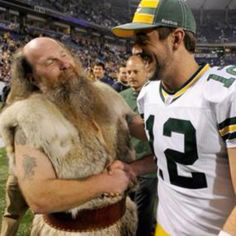 Even the Viking likes Aaron Rogers