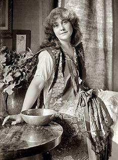 Illustrator Rose O'Neill (1874 - 1944)