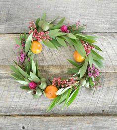 Hostess Gift Idea: DIY Fall Wreath Style Me Pretty   Apartment Therapy
