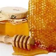 Honey is also traditionally used to alleviate sore throats. Mixing two teaspoons of honey and one teaspoon of vinegar in a mug of boiled water and sipped slowly helps heal and sooth throat infections.  However, honey can be dangerous to babies due to C. botulinum spores which may be harmful to the undeveloped immune systems of infants. fresh honey, magic mixtur, art crafts, food, honey butter, health benefits, raw honey, natur remedi, honey bee