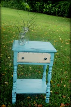 vintageshabbi chic, side tables, furnitur color, shabby chic, weddinghom idea, furniturepaint idea