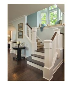 Window seat on the stairs? Ah, I love it!