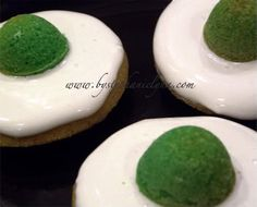 Green Eggs and Ham Cakes - Dr Seuss Birthday - Under the Table and Dreaming