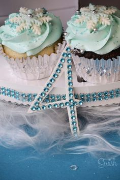 Easy Frozen Party decorations