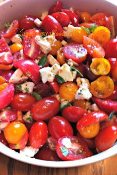 Easy Caprese Salad. This salad makes every meal special and it's so easy!  Perfect for picnics and pot-luck dinners.