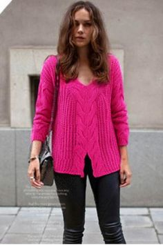 loose long-sleeved V-neck sweater
