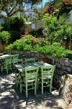 Traditional little taverna in Hydra - Greece