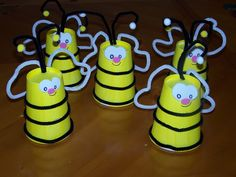 Bees with cute fingerplay idea, cups, bijen, bug, kriebelbeestj, bumble bees, 5 little bees, insect crafts for toddlers, kid