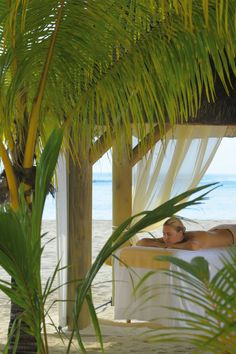 Beach Massage - Dinarobin Hotel Golf & Spa - Mauritius