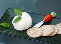 Creamy and Crafty: Simple Homemade Soft Goat Cheese Recipe