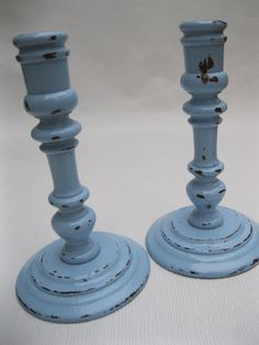 cottag, blue, rustic homes, shabbi chic, decorating ideas, shabby chic decorating, light, wooden candlestick, kitchen cabinets