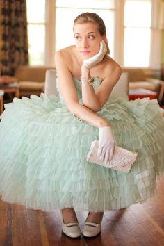 Amanda Mathson modeling a vintage dress from Lodekka (www.lodekka.com). Photo by Michael T Lee from Focus97.