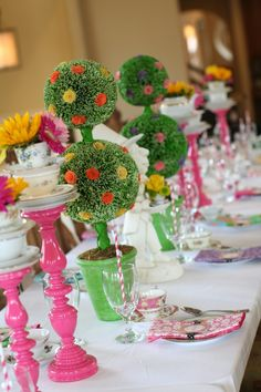 Alice in Wonderland 8th Birthday Party ~ plenty tips and ideas here for a little girl's birthday.