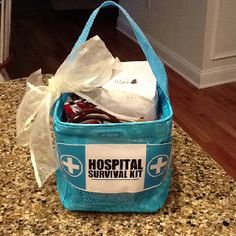 Hospital Survival Kit made for my very pregnant friend in a Thirty One tote. Included are hair ties, chapstick, makeup wipes, mints, granola bars, chocolate and cookies (for after labor). Can't wait to give it to her! 31 bags ideas, 31 gifts, granola bars, survival kits, gift ideas, thoughtful gifts, hair ties, surviv kit, thirty one bags