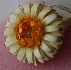 gerber daisies, tutorials, craft, gerbera daisi, paper flowers, papers, paper projects, flower tutorial, blog