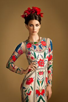 MatildaTemperley ... obviously influenced by Frida Kahlo ... loving the art influenced current fashion