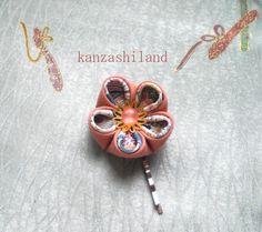 Flor japonesa kanzashi para el cabello