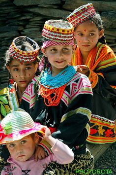 Kalash Girls from Pakistan NWFP living in chitral small village KALASH GUM yes i am also chitral i give  you more information about this people