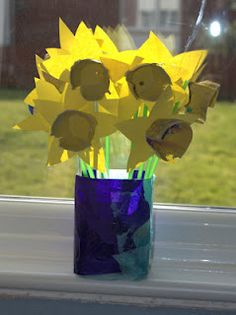 Fill your house with flowers - daffodils from egg cartons, perfect to brighten your day