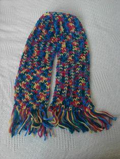 Bufanda tejida con telar rectangular.