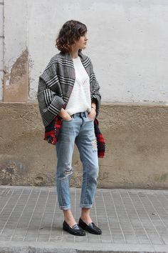 I shouldn't pin this 'cause her legs are so much longer than mine but uggggh I love this look. The rolled jeans, the loafers, the plaid topper.