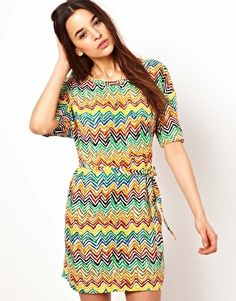Love this colorful dress!